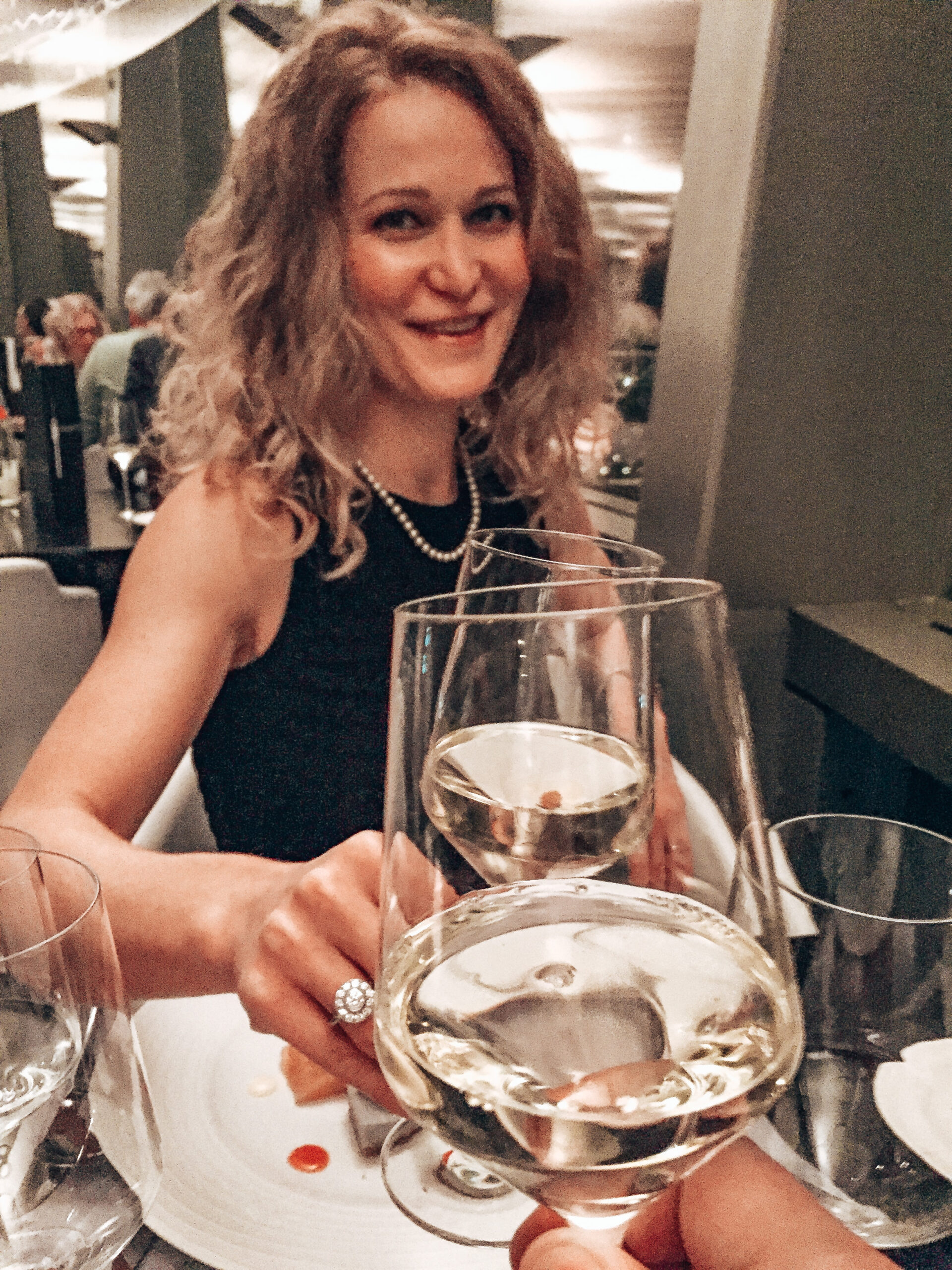 Cheers Solo Travel Dinner